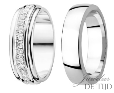 Gouden of platina trouwringen 6,4 en 6mm breed, met 33 briljant geslepen diamanten