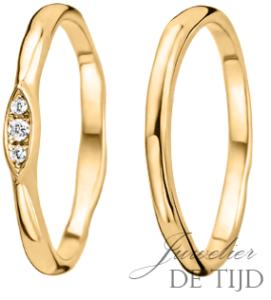 Gouden trouwringen 2 en 2,4mm breed, met 3 briljant geslepen diamanten