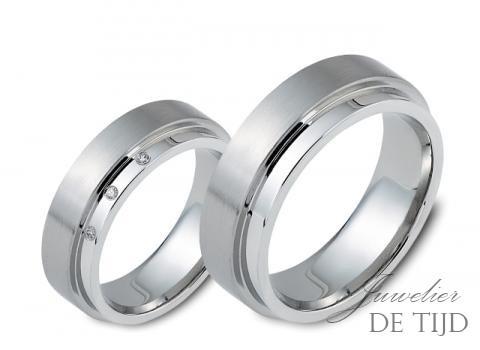 EdelstalenTrouwringen 6mm breed, met 3 briljant geslepen diamanten