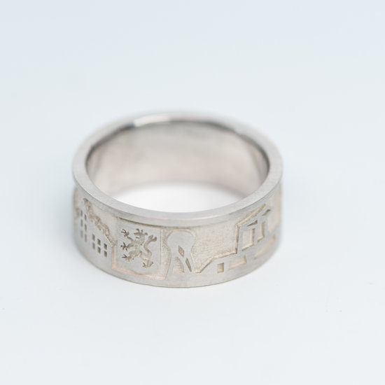 Zilveren Doetinchem ring zilveren achtergrond