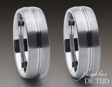 Wolfraam trouwringen 8mm breed