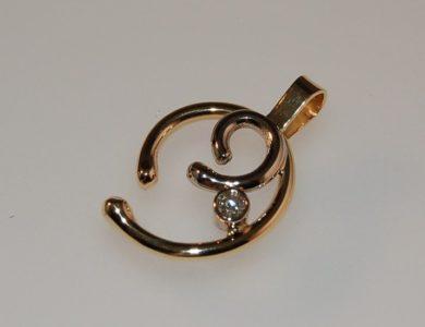 Gouden as hanger met 0,10ct briljant geslepen diamant