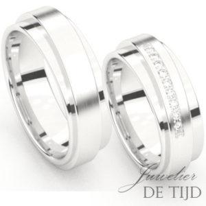 Wit gouden trouwringen met 10 briljant geslepen diamanten
