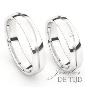 Wit gouden trouwringen met een briljant geslepen diamant
