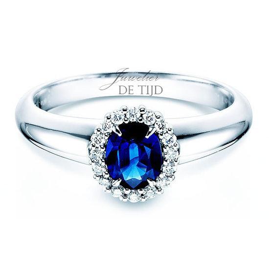 14 karaats wit gouden entourage ring met saffier en briljant geslepen diamant