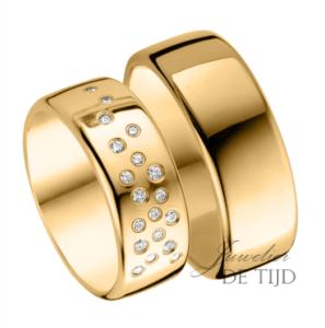 Geel gouden trouwringen 8mm breed met 19 briljant geslepen diamanten