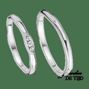 Wit gouden trouwringen 2,0- en 2,4mm breed. Met 3 briljant geslepen diamenten