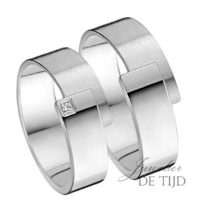 Wit gouden trouwringen 6mm breed met één briljant geslepen diamant