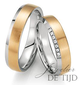Abrikoos met wit gouden trouwringen 5mm breed met 7 briljant geslepen diamanten
