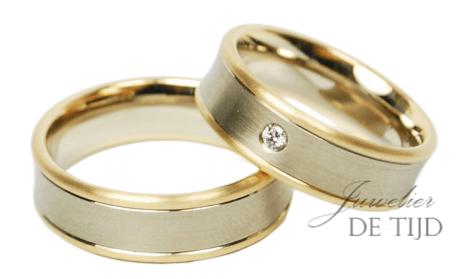 Bi-color rosé/wit gouden trouwringen met briljant geslepen diamant