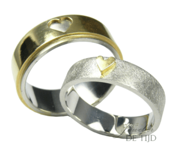 Bi-color geel/wit gouden trouwringen met hartvorm