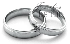 Wit gouden trouwringen 5mm breed met 0,03crt briljant geslepen diamant