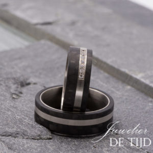 Palladium met carbon trouwringen en 7 briljant geslepen diamanten 7mm breed