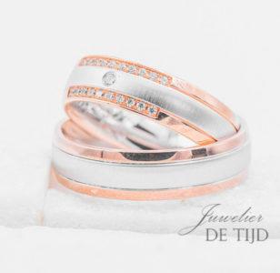 Bi-color wit/rood gouden trouwringen 6mm breed met 21 briljant geslepen diamanten