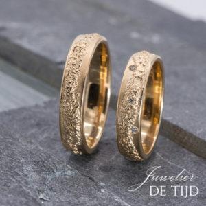 14 karaats warm gouden trouwringen
