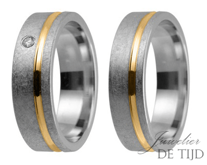 Bi-color geel/wit gouden Trouwringen 6mm breed, met één briljant