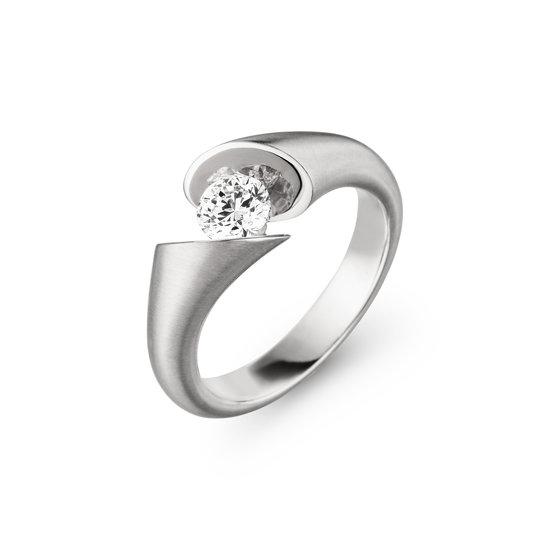 Design ring Calla met één briljant geslepen diamant