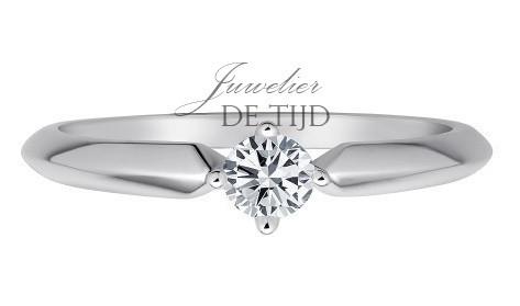 14 karaats wit gouden solitaire ring met 0,10crt briljant geslepen diamant