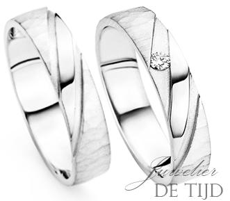 Wit gouden trouwringen 4 en 5mm breed met briljant geslepen diamant