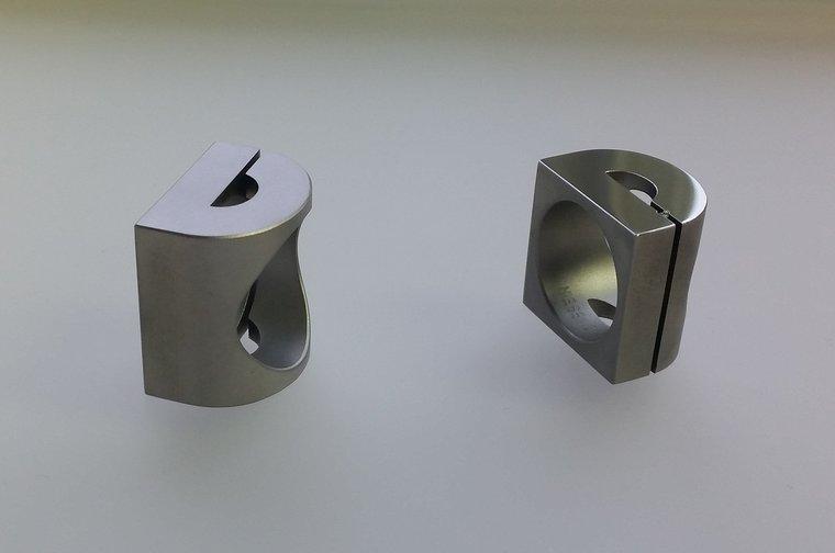 Edelstalen design D van Doetinchem ring