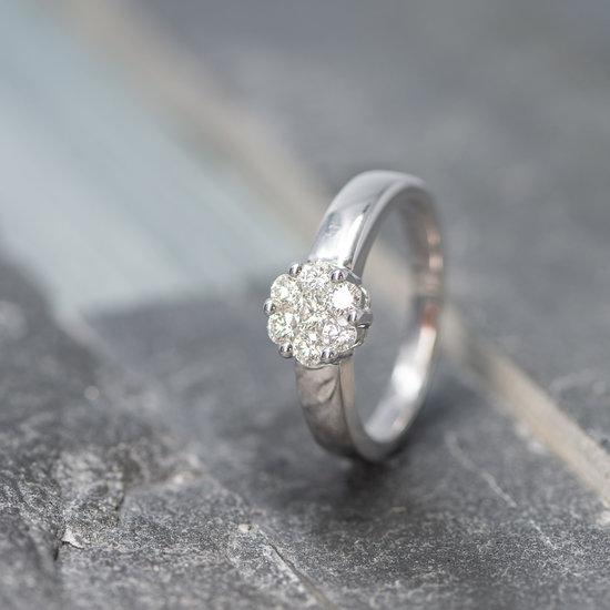 14 karaats wit gouden trouwringen met briljant geslepen diamanten