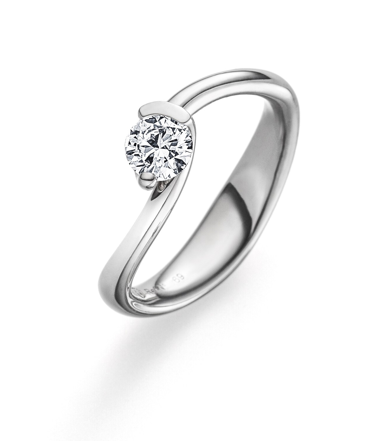 Design ring wit- of geelgoud