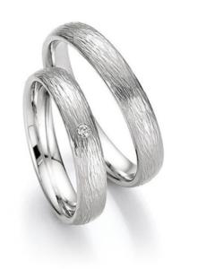 Platina trouwringen 4mm breed