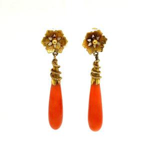 Set 14 karaats gouden oorhangers met bloedkoraal