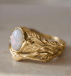 14 karaats roségouden verlovingsring met opaal