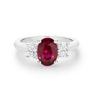 18 karaats witgouden verlovingsring met ovale ruby